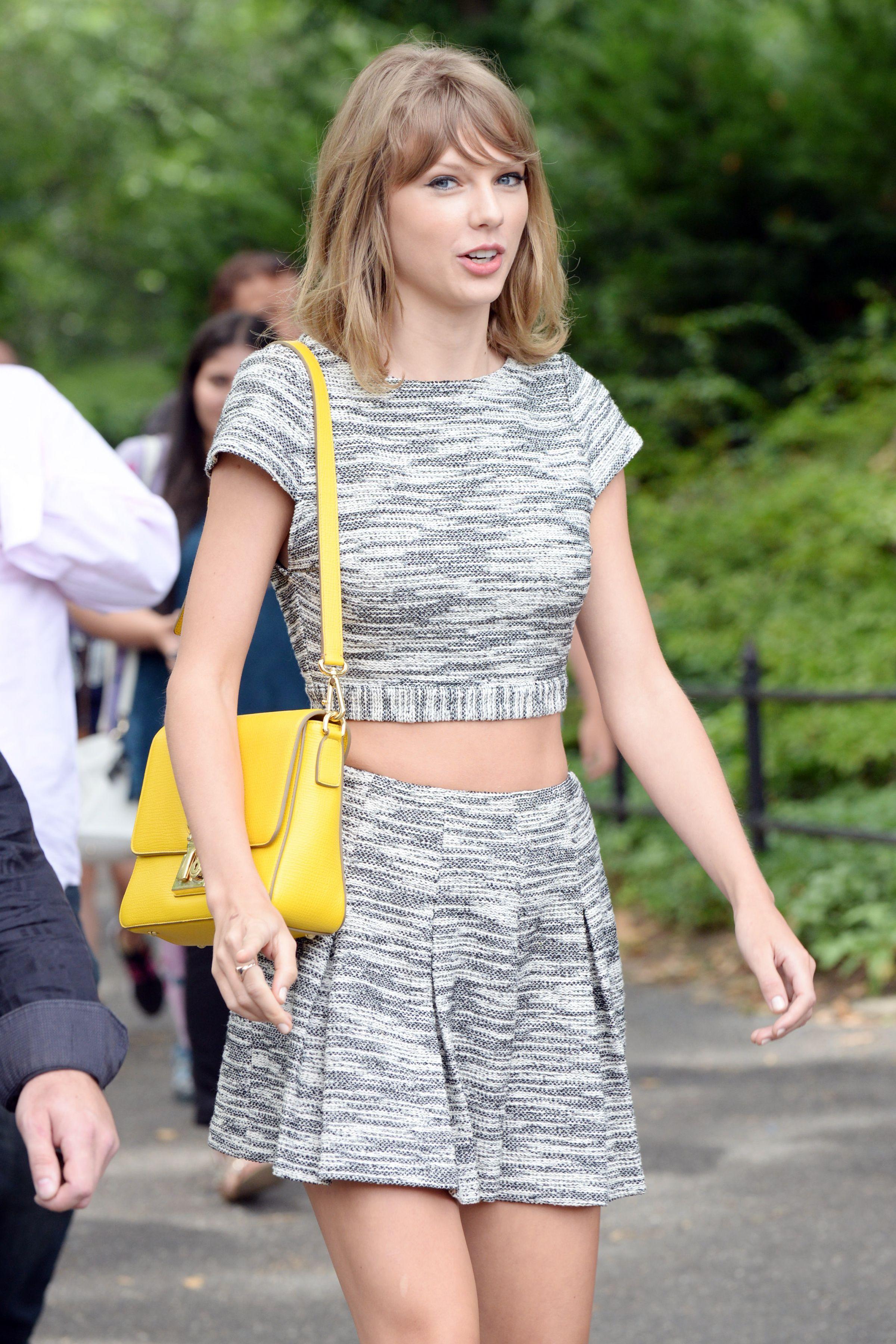 Taylor Swift S Skinny Diet Secrets Photos She Loves Chia Seeds Eats Like A Bird Radar Onl Taylor Swift Skinny Taylor Swift Street Style Taylor Swift Hot