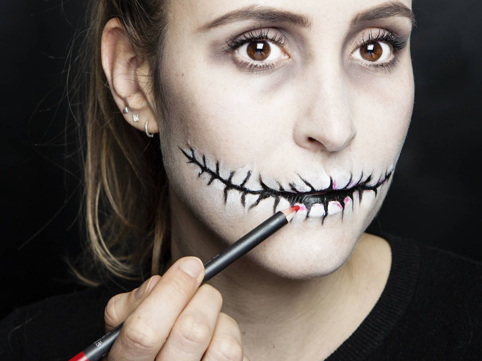 Halloween how to stitched mouth makeup scary halloween makeup halloween makeup how to do scary makeup beauty tutorials fashion hair beauty sex and relationships cosmopolitan uk baditri Gallery