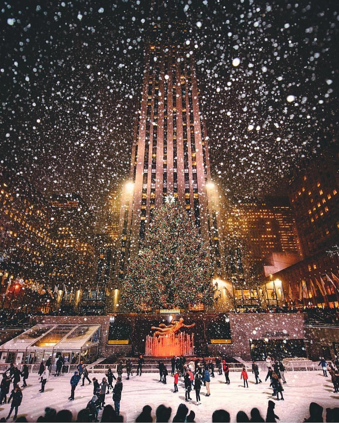 Rockefeller Center At Christmas Nyc Christmas New York Christmas Christmas Wallpaper