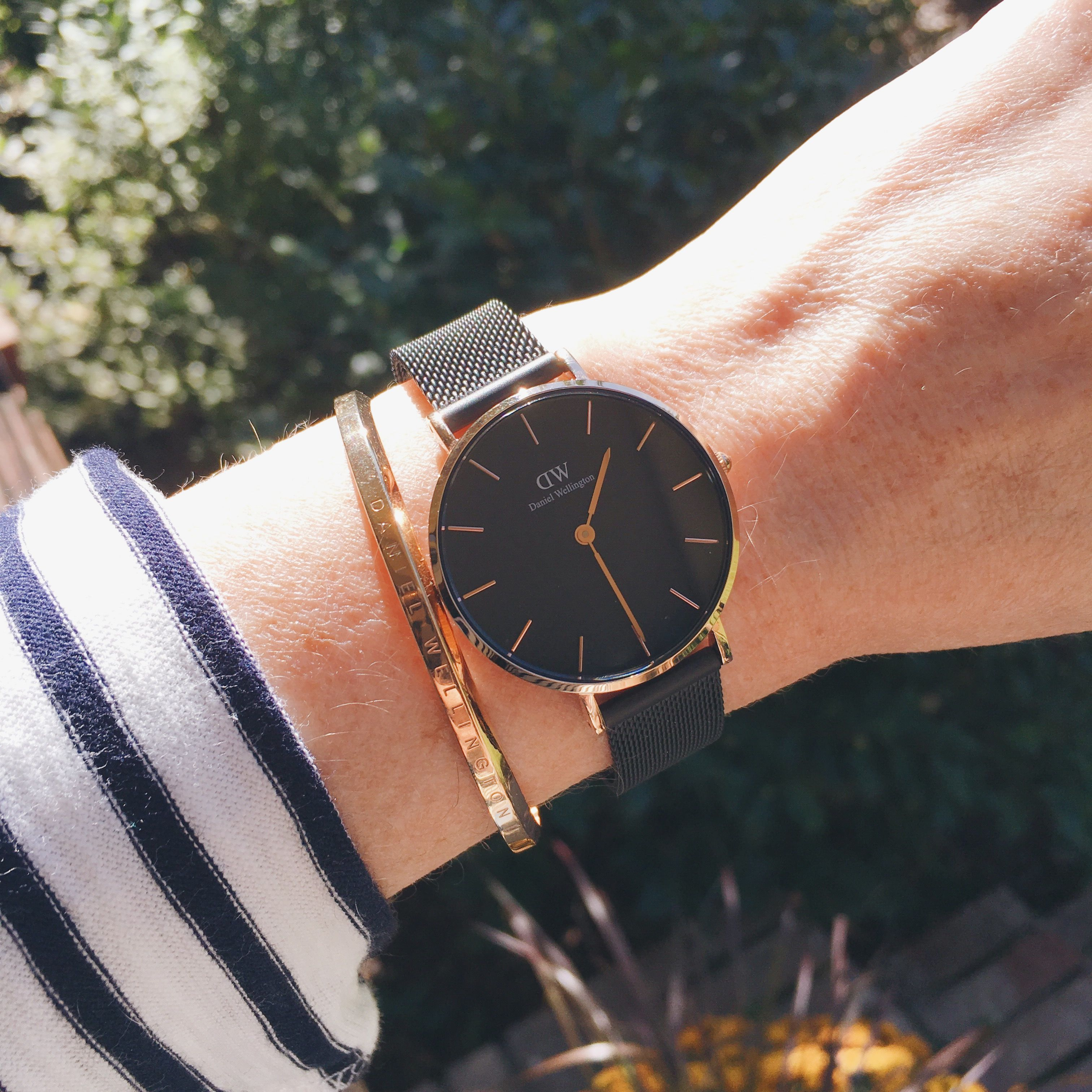 Meet The New Daniel Wellington Watch The Classic Petite Ashfield It Comes In Either Rose Gold Or Womens Watches Luxury Fashion Watches Silver Pocket Watch