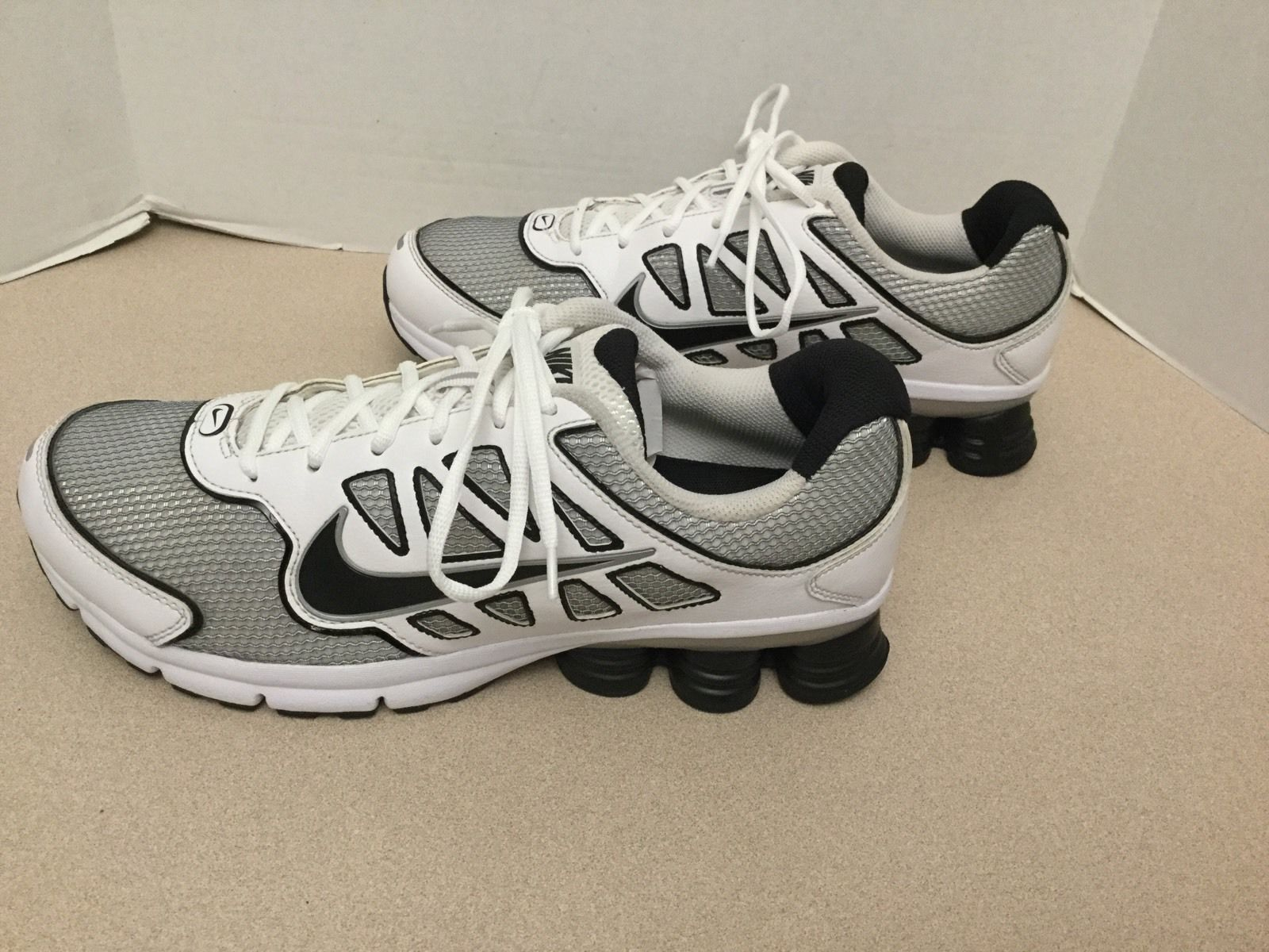 huge selection of 2c890 9438c ... Mens Nike Shox Qualify 2 Running Shoes. Size 11. Great Condition!