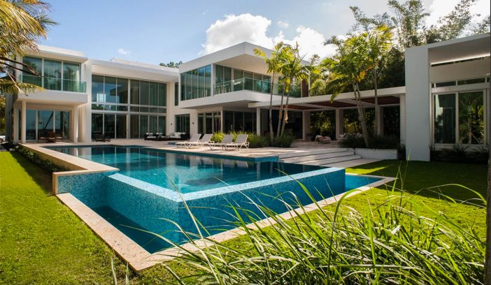 Estate Of The Day 32 Million Modern Mansion In Miami Beach Florida Modern Mansion Mansions Florida Condos