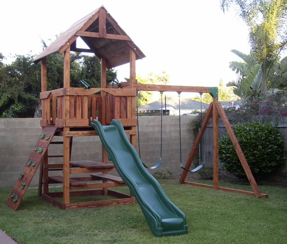 R-2: Refurbished Redwood Playset With Picnic Table