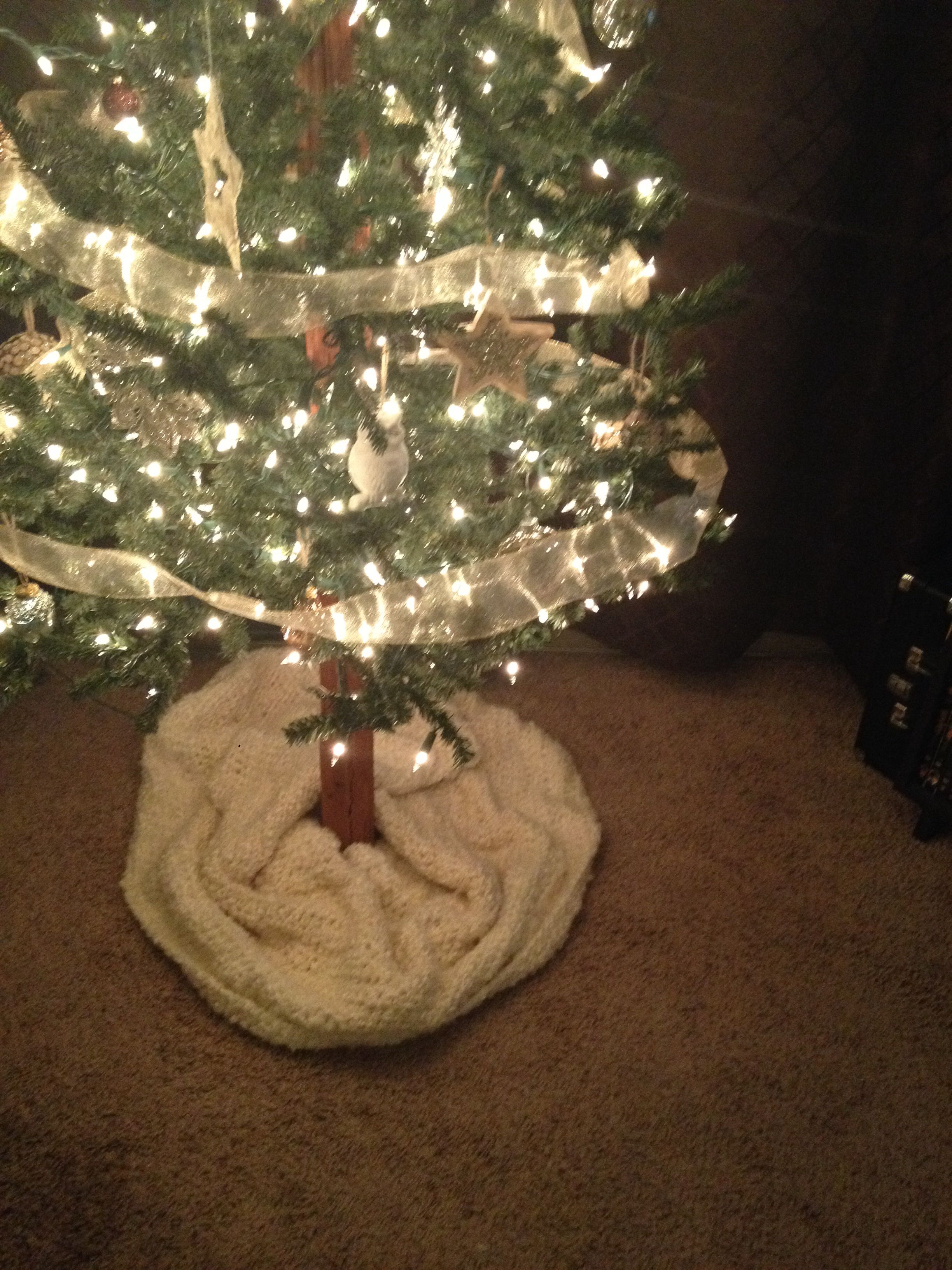 Chunky Knit Tree Skirt Knitting Projects Holiday Christmas