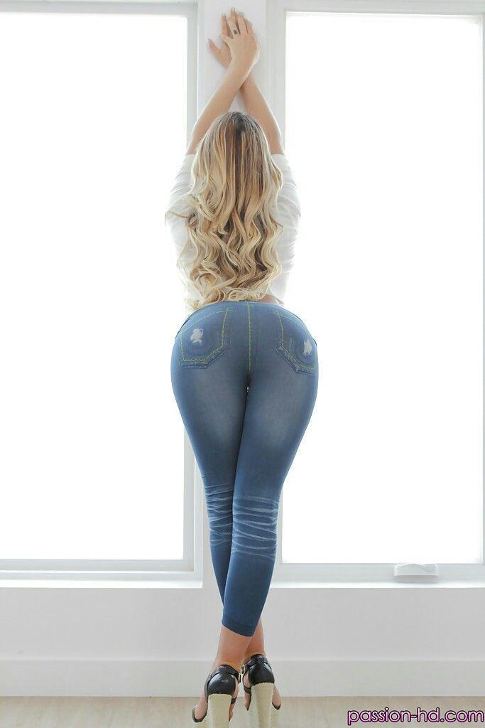 August ames butt