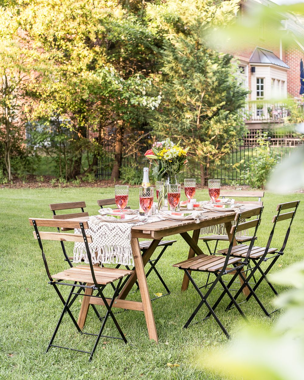 Backyard Barbecue Summer Tablescape | Summer cookout ... on Diy Bbq Patio id=39591