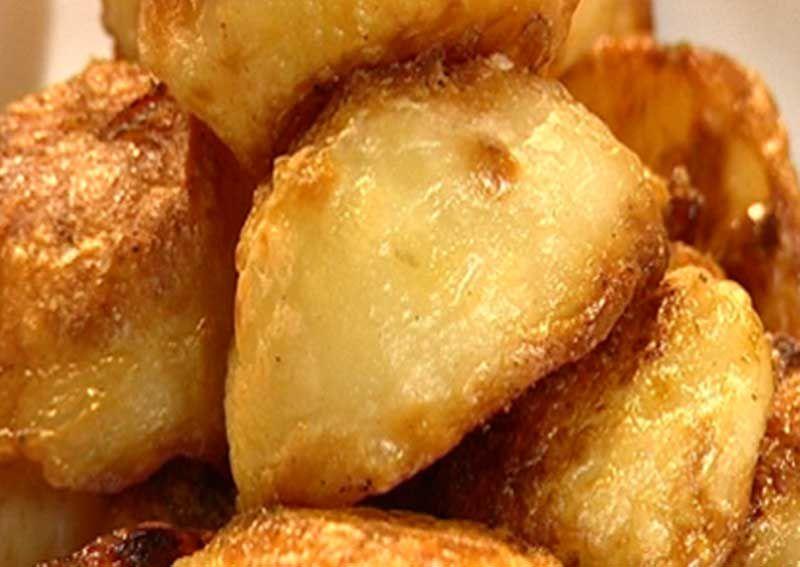Roast Potatoes | Recipes, Roast potatoes, Food