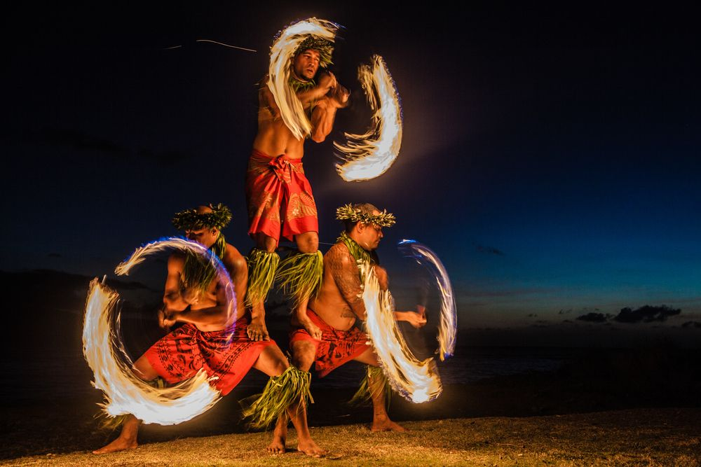 Fire Dancers Hawaii Can Never Have Too Many Fire Dancers Yummy Hawaii Fire Hawaii Hotels Hawaiian Vacation