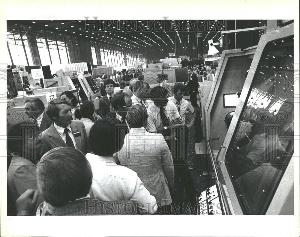 1982 Press Photo International Machine Tool Show