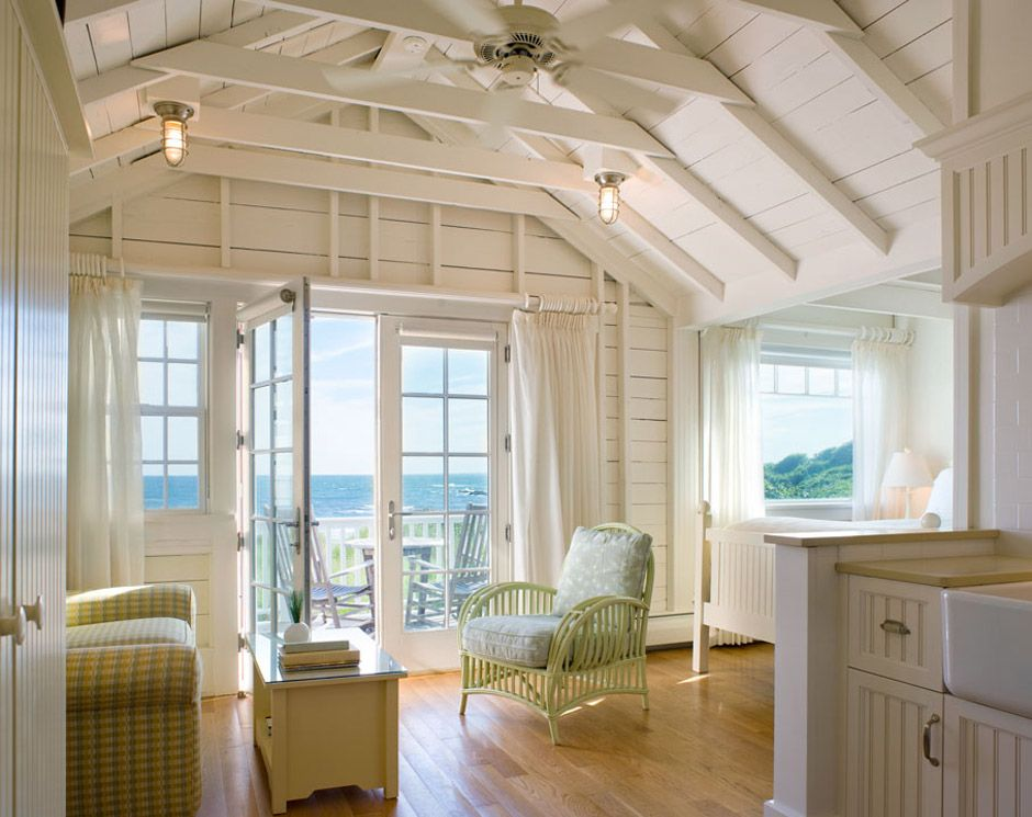 Castle hill beach cottage a small beachside cottage in for Beach cottage interior designs