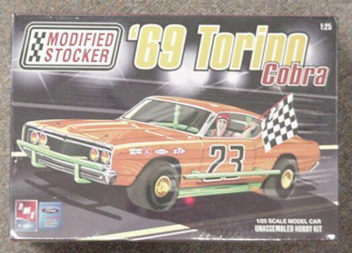 69 Torino Cobra Stocker Amt Plastic Model Car Kit 1969 Plastic