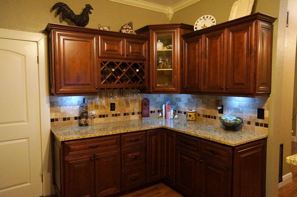 Mahogany cherry kitchen cabinets 3cm new venetian gold for Kitchen design yelp