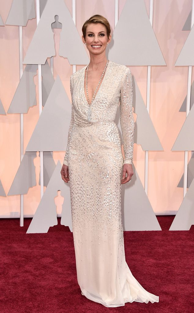 e59b2eb635 Faith Hill in J. Mendel at the 2015 Oscars  The dress is gorgeous but I  don t like the hair. I rarely like women with their hair cut THAT short.