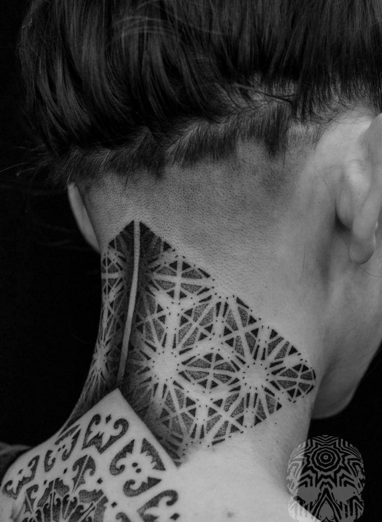 Tatouage Nuque Femme Idees Pour Les Femmes Delicates Tatouages
