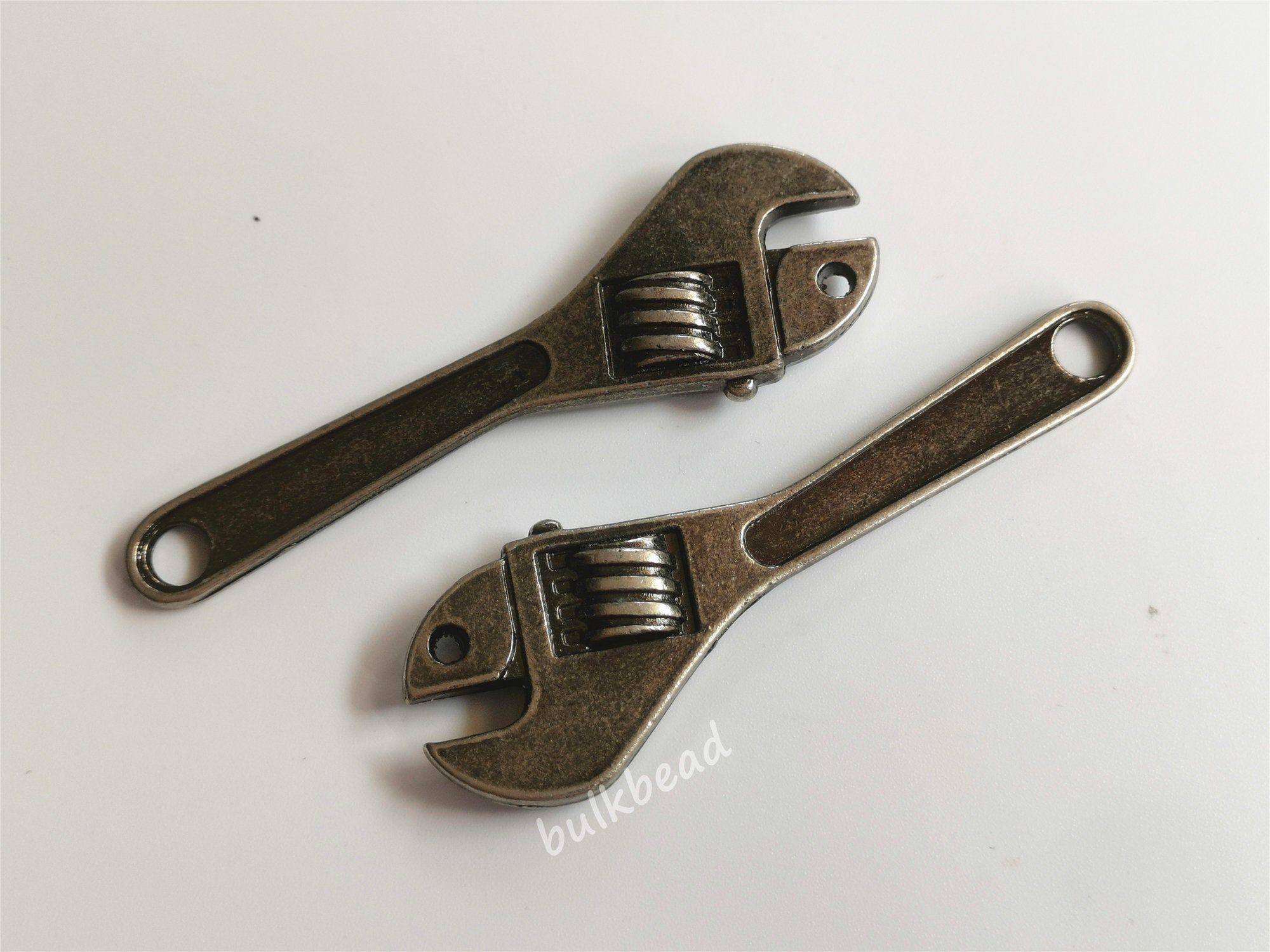 3pcs Antique Silver Wrench Charm Set Bulk Tibetan Silver Wrench Pendant Wholesale Bracelet Charm Key Chain Charm Lot Jewel Argent Antique Pendentif Bracelet