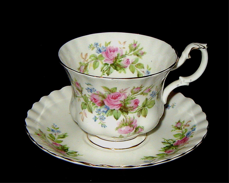 Royal Albert Moss Rose Footed Cup and Saucer | Chá da ...