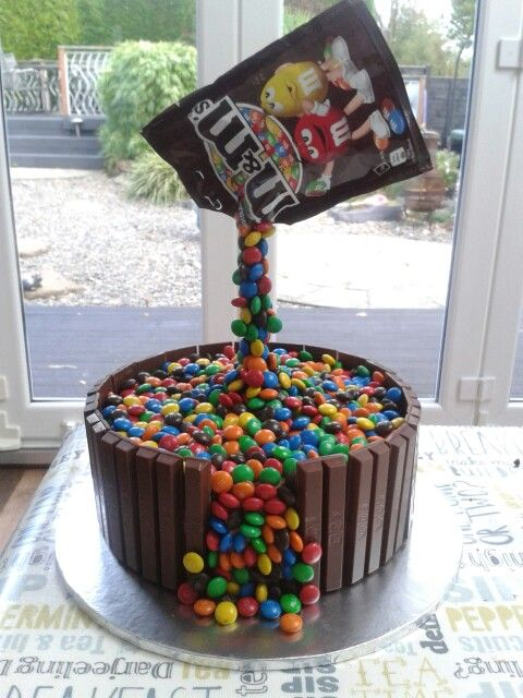 M&Ms gravity cake                                                       … #gravitycake