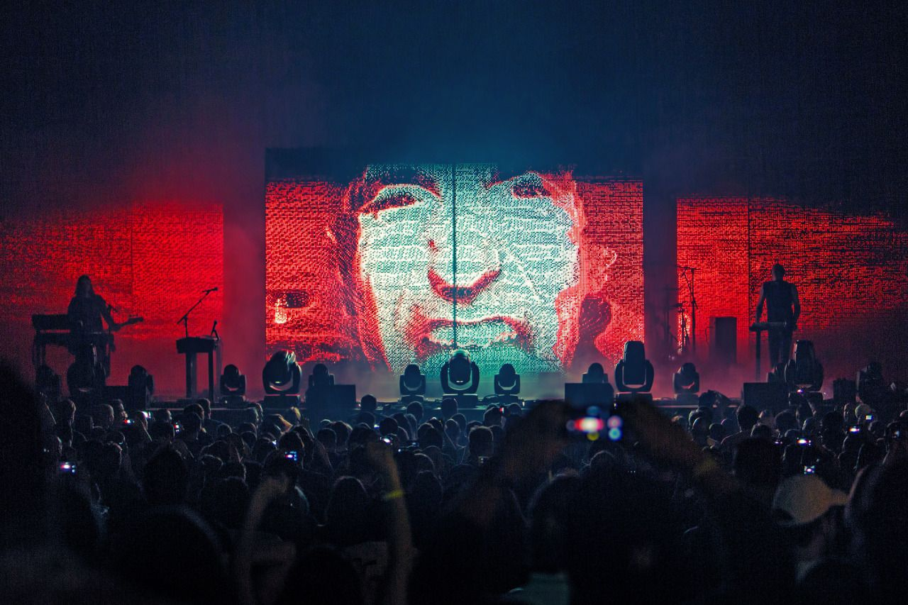 Nine Inch Nails live, July/August 2014. Photos by Rob Sheridan ...