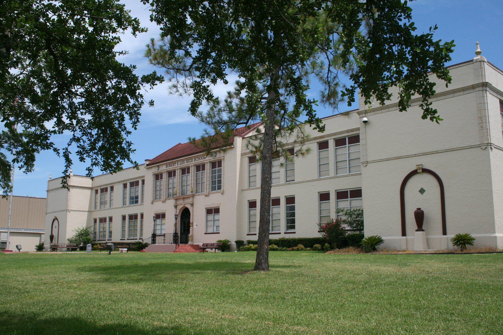 Robert E Lee Senior High School Market Street Baytown Texas