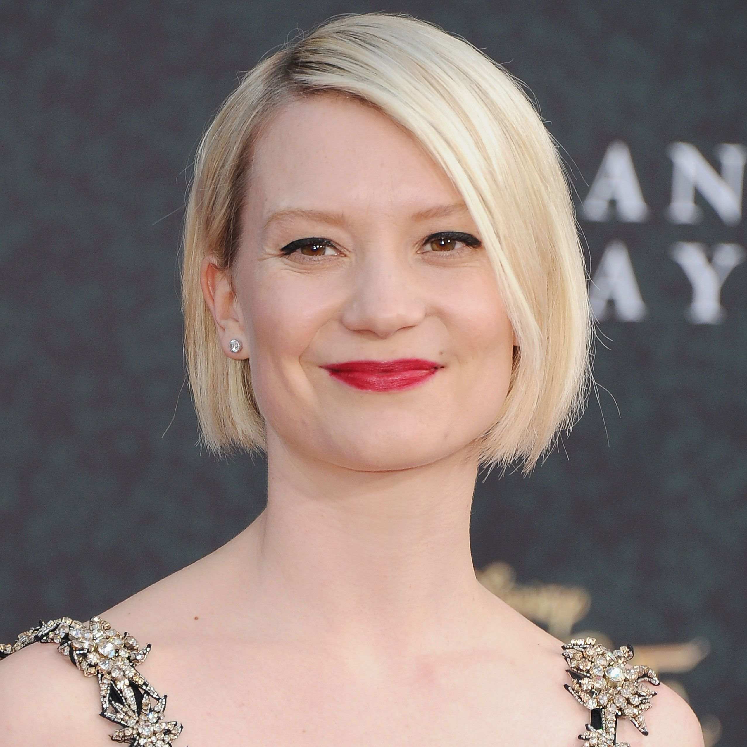 80 Cute Short Hairstylesand How To Pull Them Off Mia Wasikowska