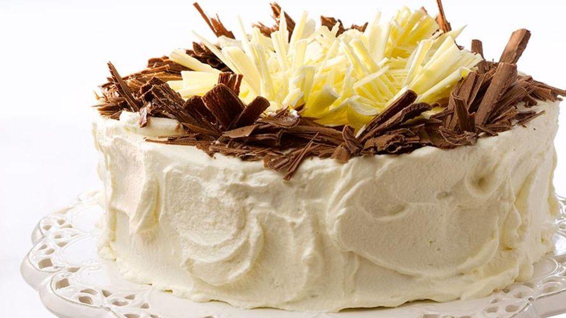 Bløtkake à la pære belle Hélène - Dessert & bake - Oppskrifter - Toro
