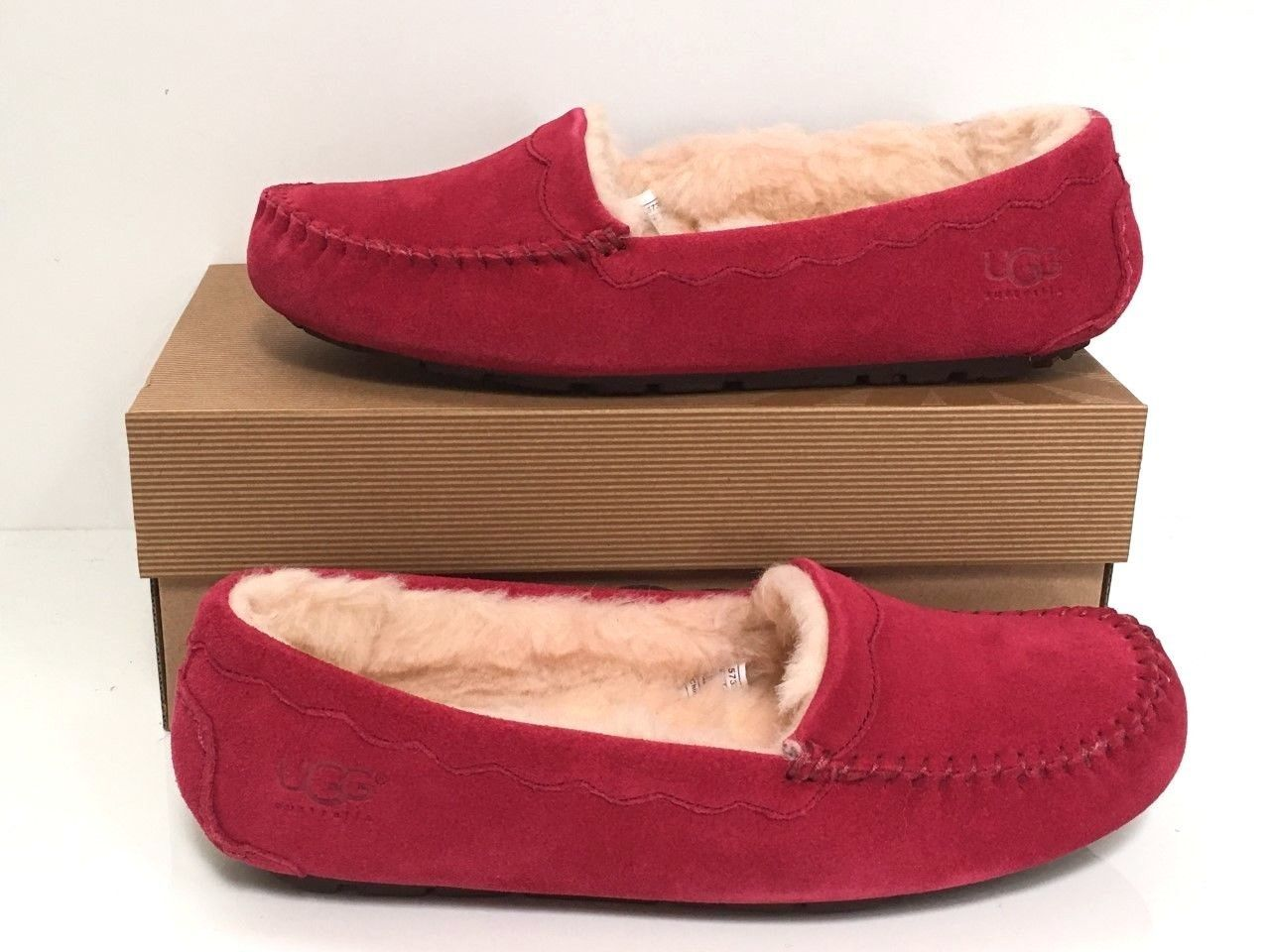 Ugg Australia 57322 Scalloped Suede Sheepskin Slipper Moccasin 7 Red
