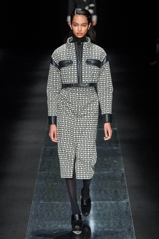 Women Fashion Trends #WomenSFashionOfThe80S