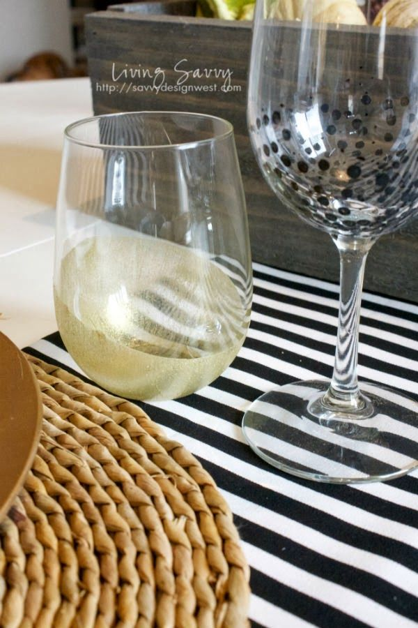 DIY Painted Snowflake Plate is part of Diy wine glass, Diy painting, Painted wine glass, Diy, Diy wine, Stemware - Turn a plain white plate into a beautiful Christmas plate using a stencil and Glass Paint