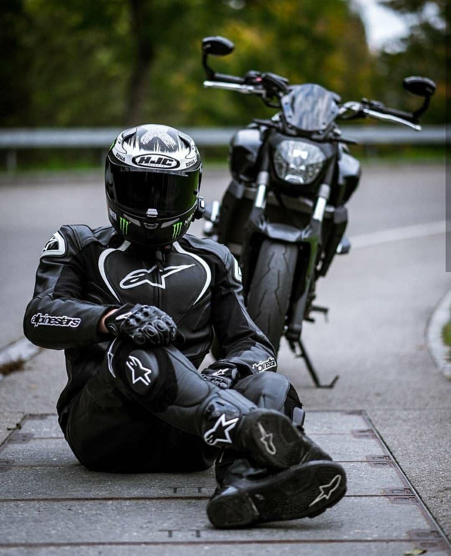 いいね!2,326件、コメント6件 ― Motorcycles / Photographyさん(@mt_fanatics)のInstagramアカウント: 「@mr._yamaharider is chilling with his MT07 Do you sometimes cuddle with your Bike? Comment down…」