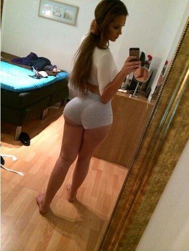 Sexy teen sluts in booty shorts