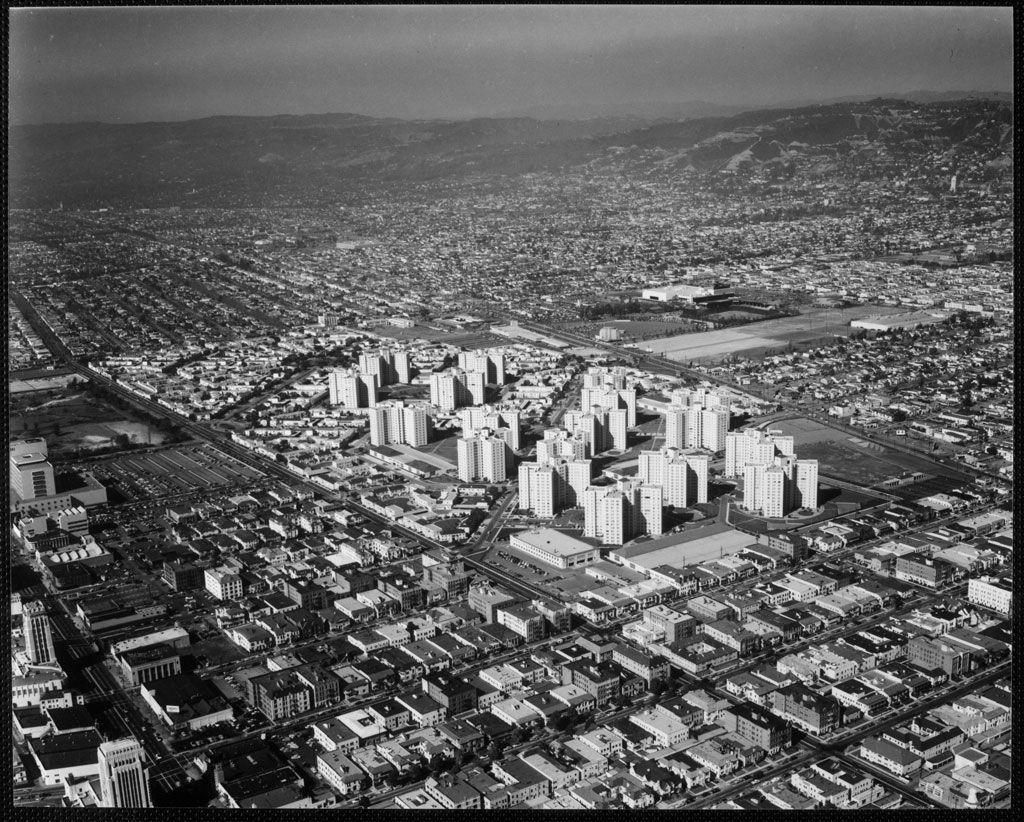 Los Angels Back Then Park La Brea 1940s Los Angeles Ca Los Angeles Architecture California History Los Angeles History
