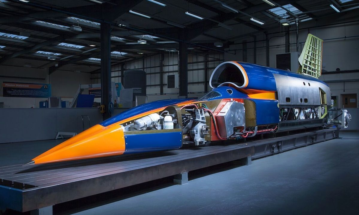 Bloodhound 1 000mph Supersonic Car To Be Unveiled In London Bloodhound Vehicles Fast Cars