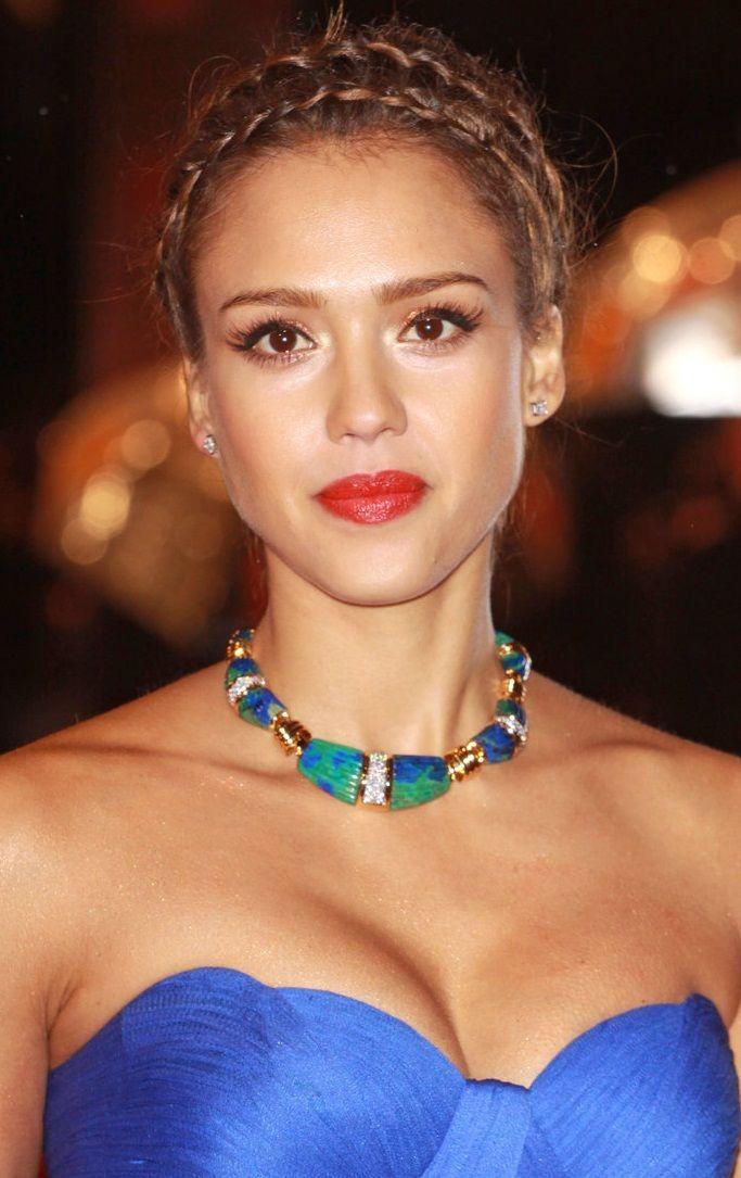 Jessica Alba...it should be illegal to be so pretty.