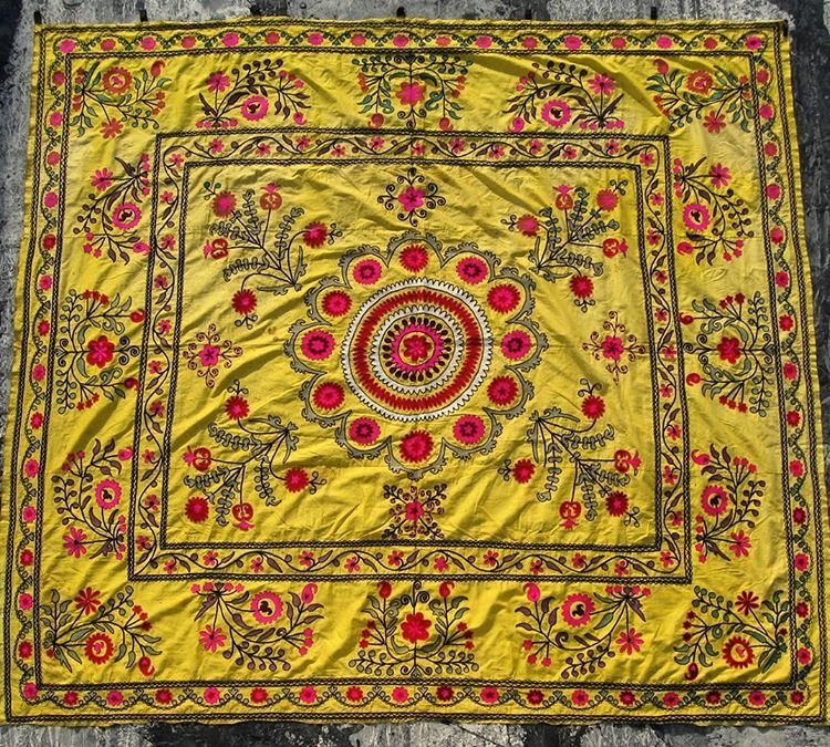 Antique Suzani, uzbek traditional decorative wall hanging. Hand made ...