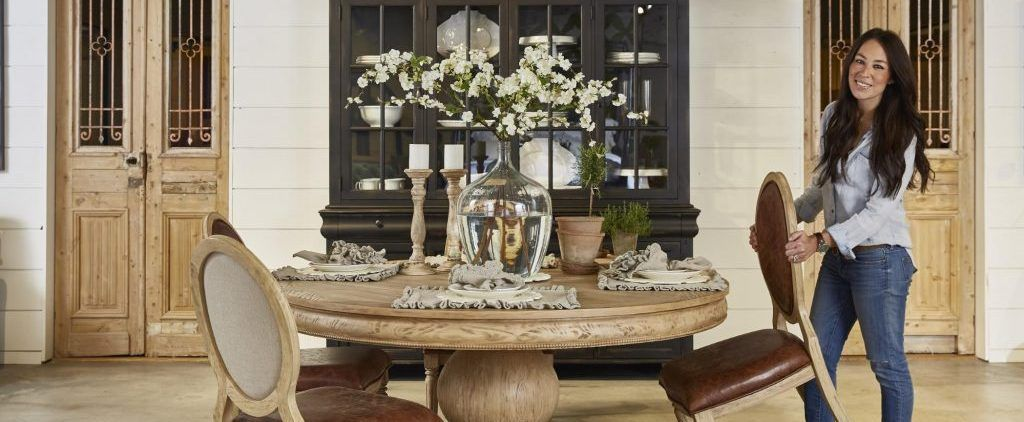 The Making Of A Furniture Showroom Dining Room Centerpiece Dining Room Table Decor Dinning