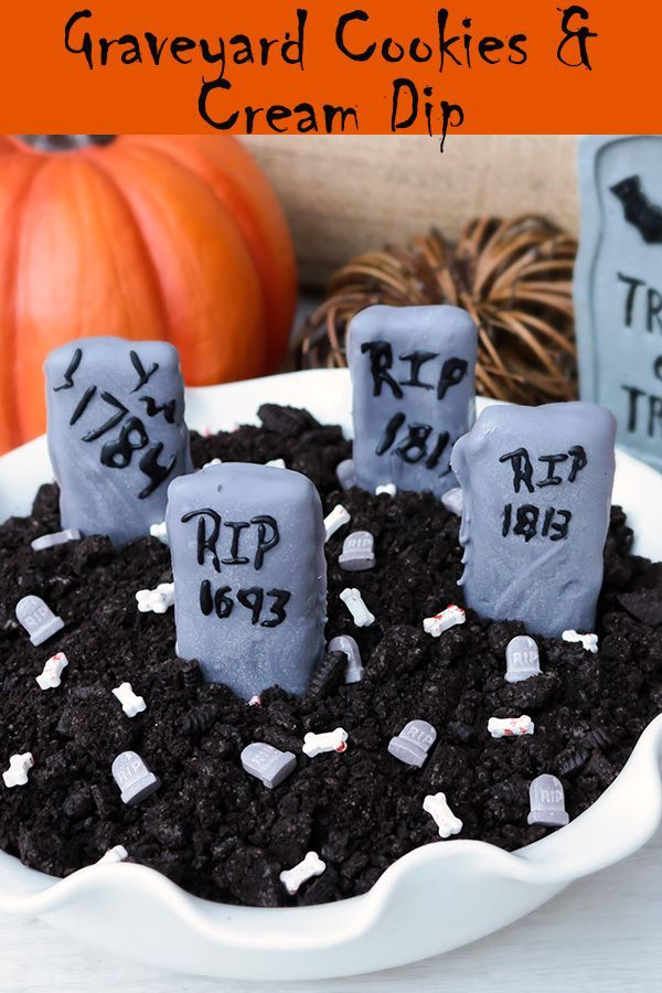 Graveyard Cookies & Cream Dip Graveyard Cookies & Cream Dip -This is dastardly delicious! Crushed sandwich fluff, cream cheese, and powdered sugar are all you need for this quick and easy spooktacular sweet treat. Serve with graham cracker dippers for a ghoulishly good For more Halloween recipes & crafts, visit .