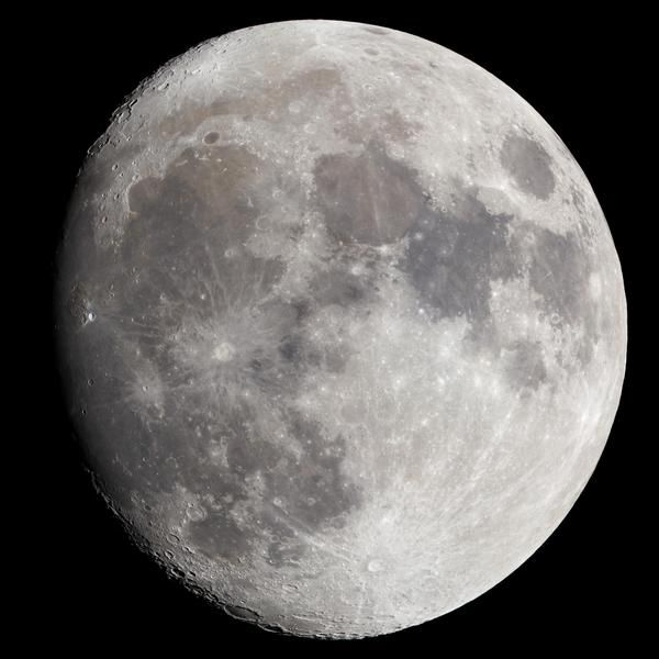 Super LUNA: 14 Novembre 2016  Sarà la Luna più grande e luminosa da 68 anni a questa parte By Relax in Piazzetta Home holidays on the lake near Roma http://www.booking.com/hotel/it/casa-vacanze-relax-in-piazzetta.de.html  #luna