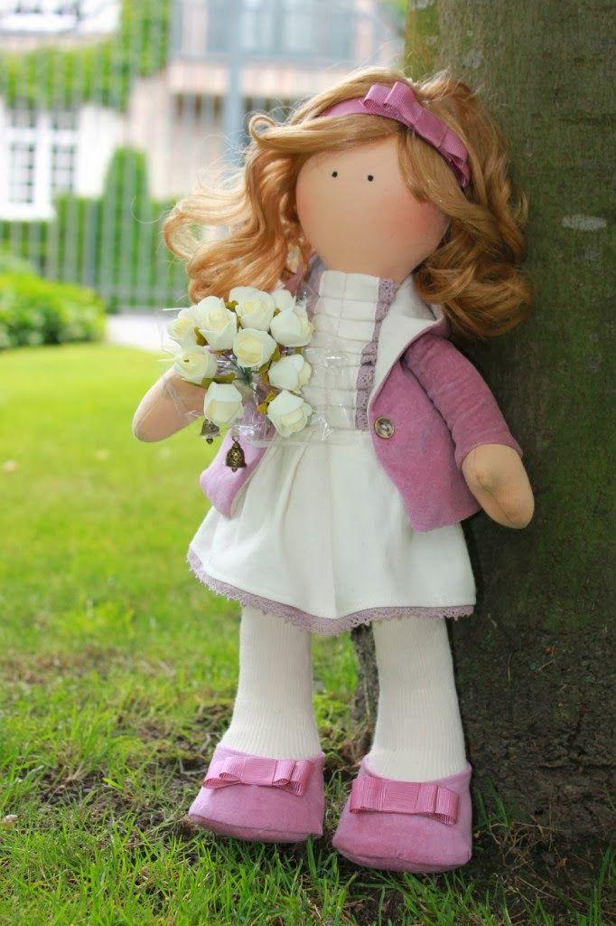 Mimin Dolls: wide-legged dolls