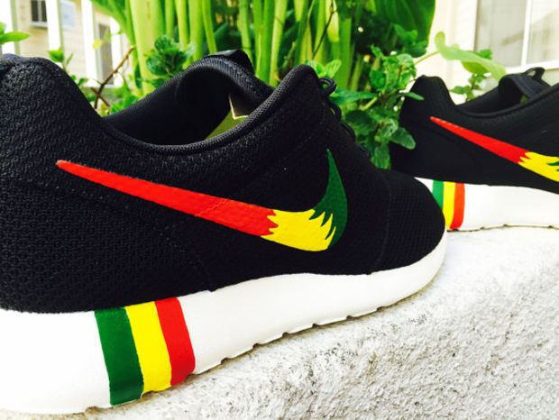 nike shoes with reggae colors on black feet moneybagg 946854