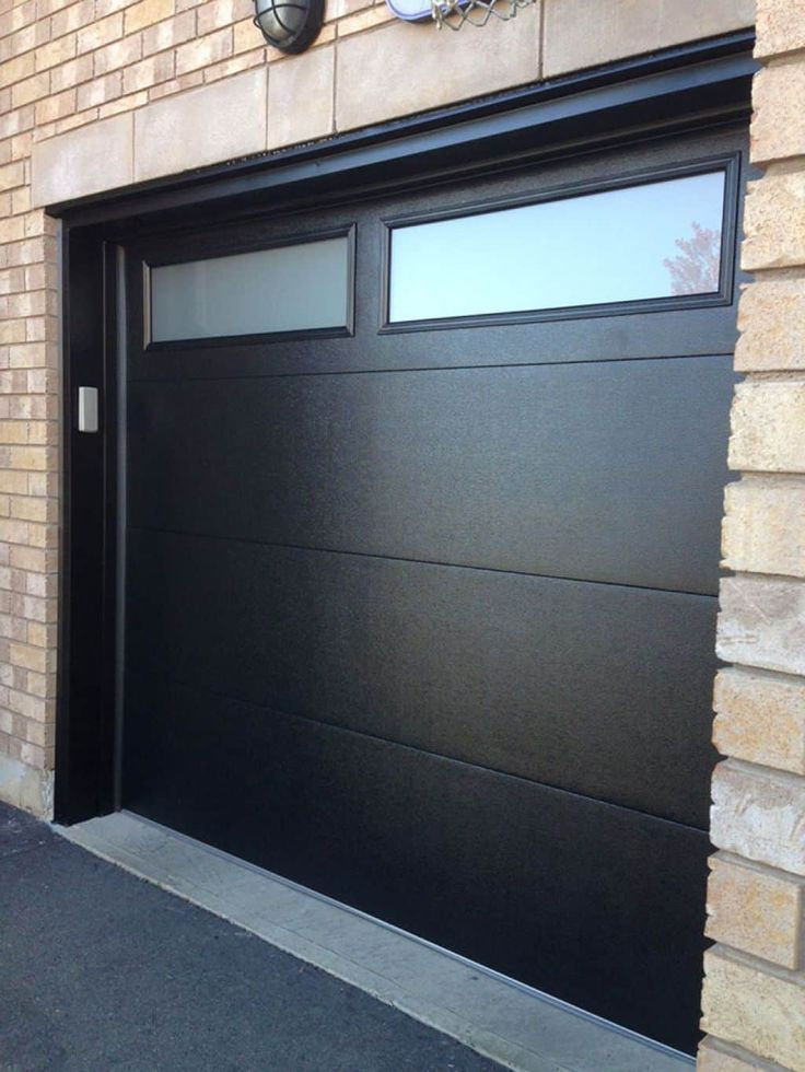 Modern Black Garage Doors With Windows Puertas De Garaje Puertas De Garaje Modernas Puertas De Garage Modernas