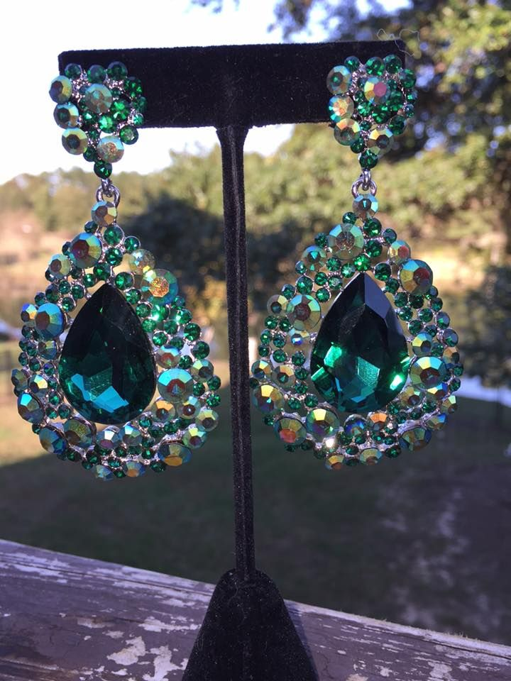 Emerald+Earrings+Big+Emerald+EarringsJE2027 Pageant