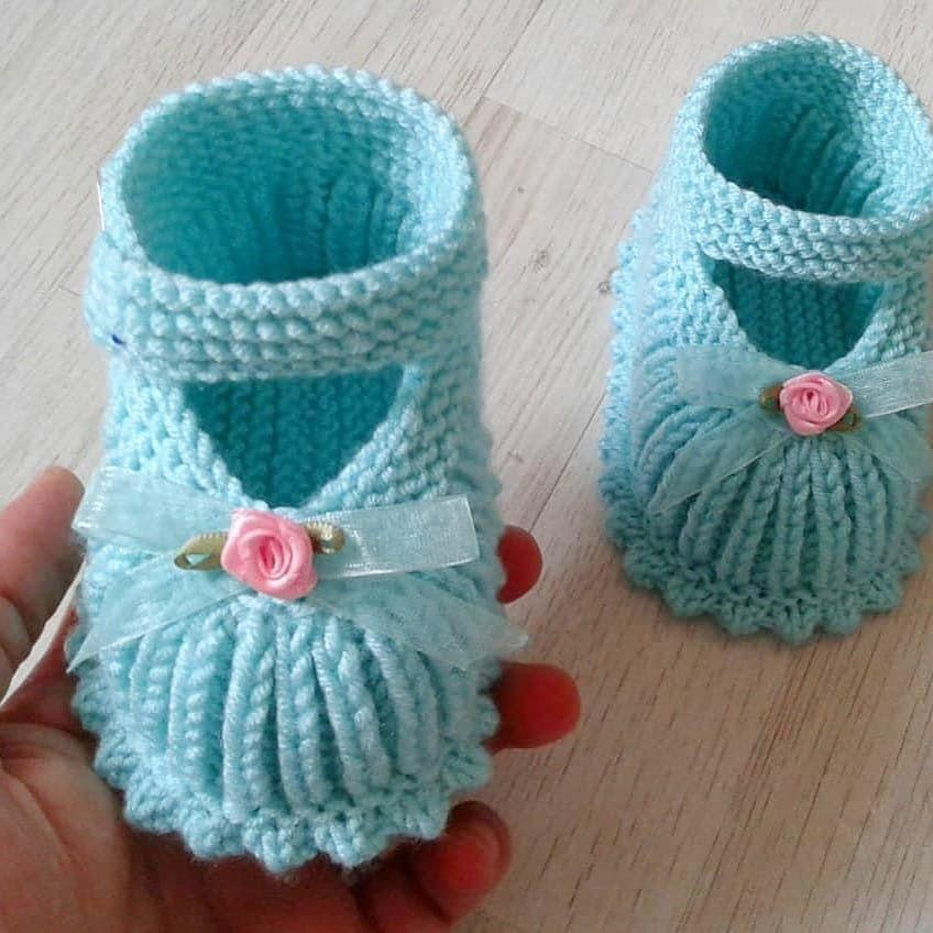 @hobi_art ???????? . . @eylul_designn ???????????????? . . Örgü #şişörgü #bebekpatik #patik #kokoşkızım #bebeğim #croketlove #kinittig #kinitingbaby #handmade #keşfet . #crochetbabyboots