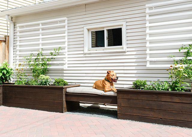 A Modern Trellis Diy Yellow Brick Home Planters