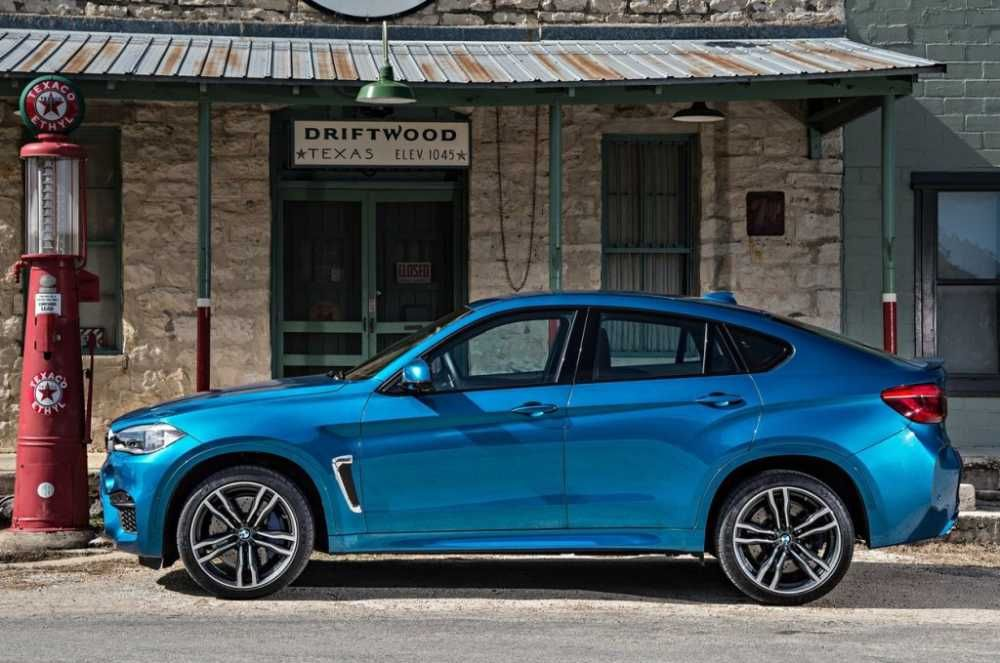 2018 BMW X6 Left Side View