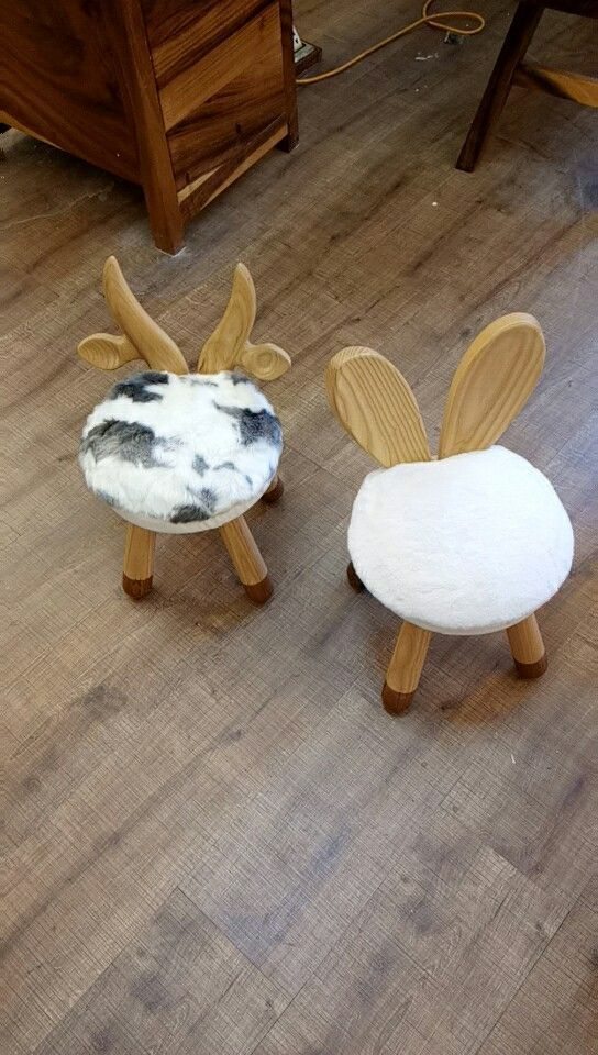 Handmade Animal Chairs be made of high quality solid wood, with the soft and comfortable fur cushion, which is very skin-friendly, the cushion is detachable. Size about 26cm*26cm*47cm.  #kidschair #sheepchair #kidstimberfurniture #woodenfurniture #kidswoodenfurniture #kidsroom #kidsdecor #iamwooden #woodenchair #bunnychair #animalchair #cutechair #kursikayu #kursianak #scandinavianchair #scandinavian #nurseryroom #dekorasikamar #dekorasirumah #scandinaviandesig #chinafurnituresupplier