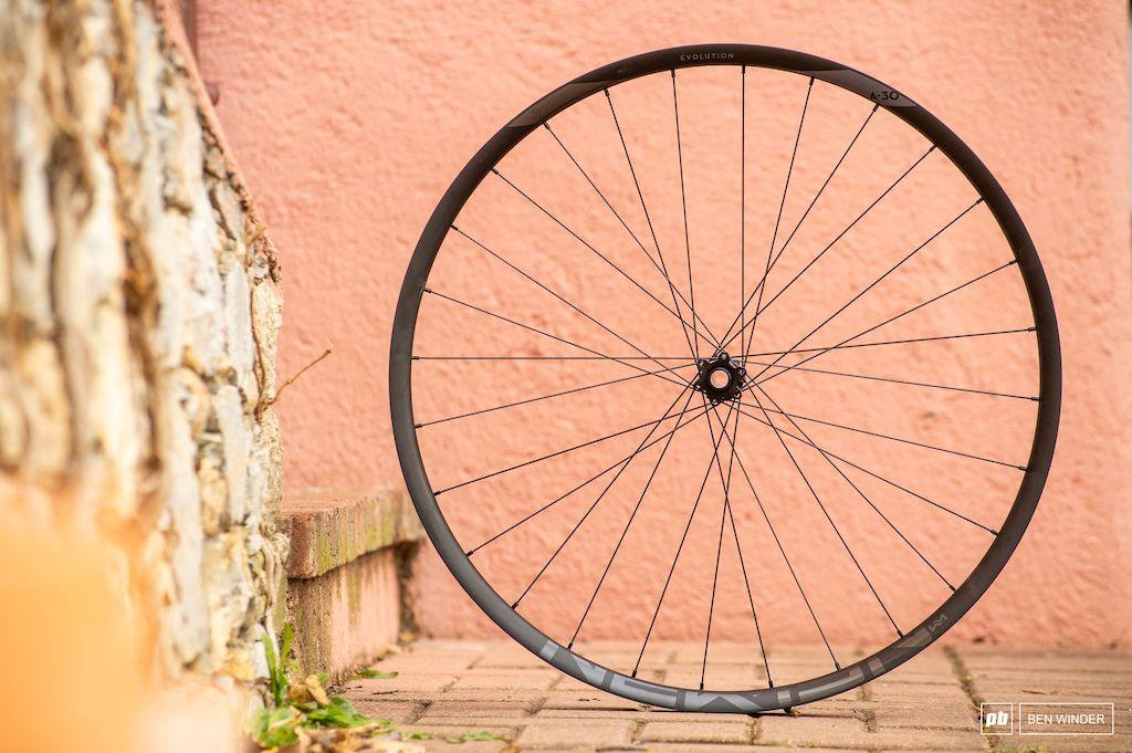 Review Newmen Evolution A 30 Wheels Evolution Wheel Bike Wheel