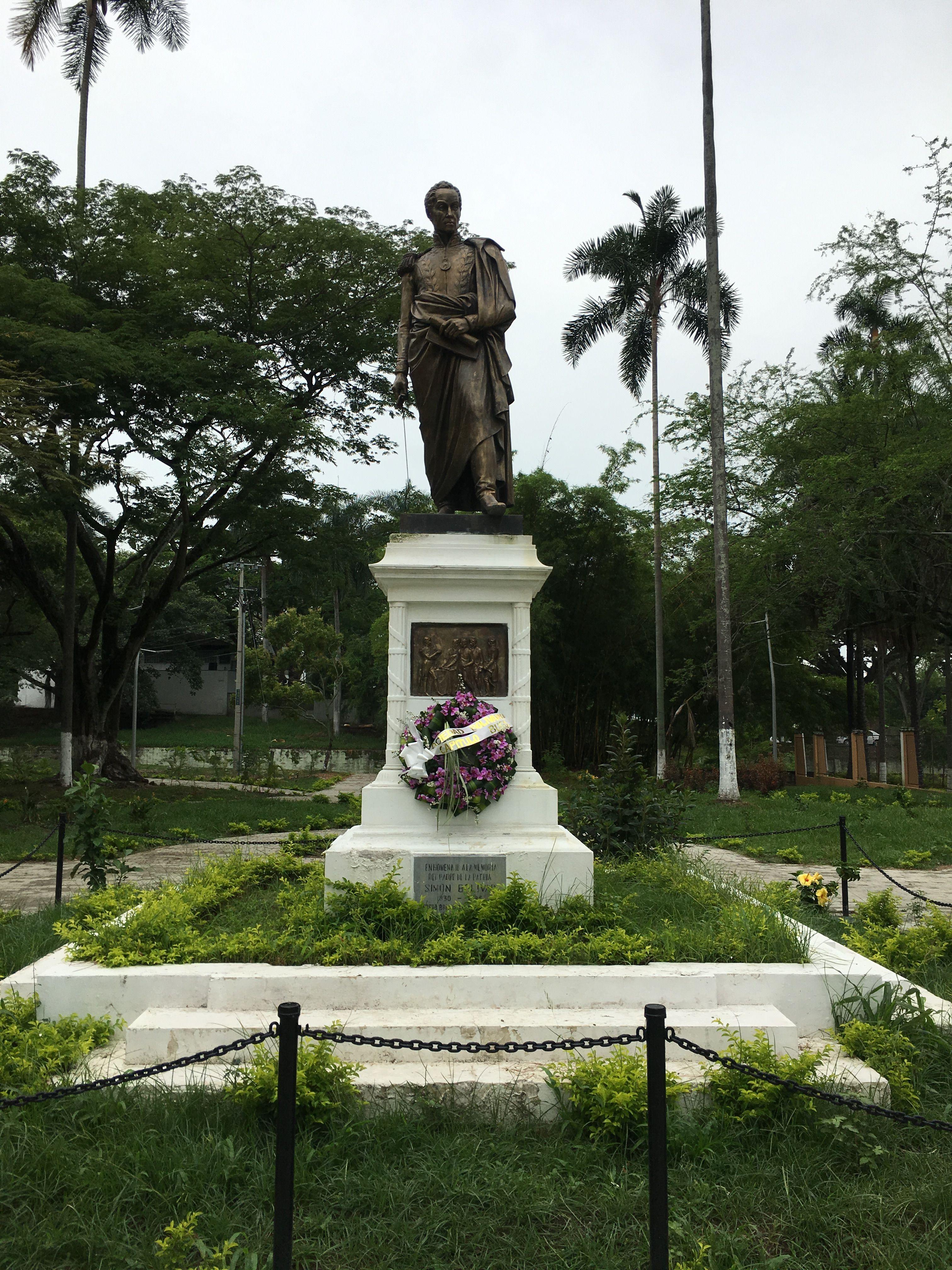 Estatua de Simón Bolívar en el parque del mismo nombre. Buga