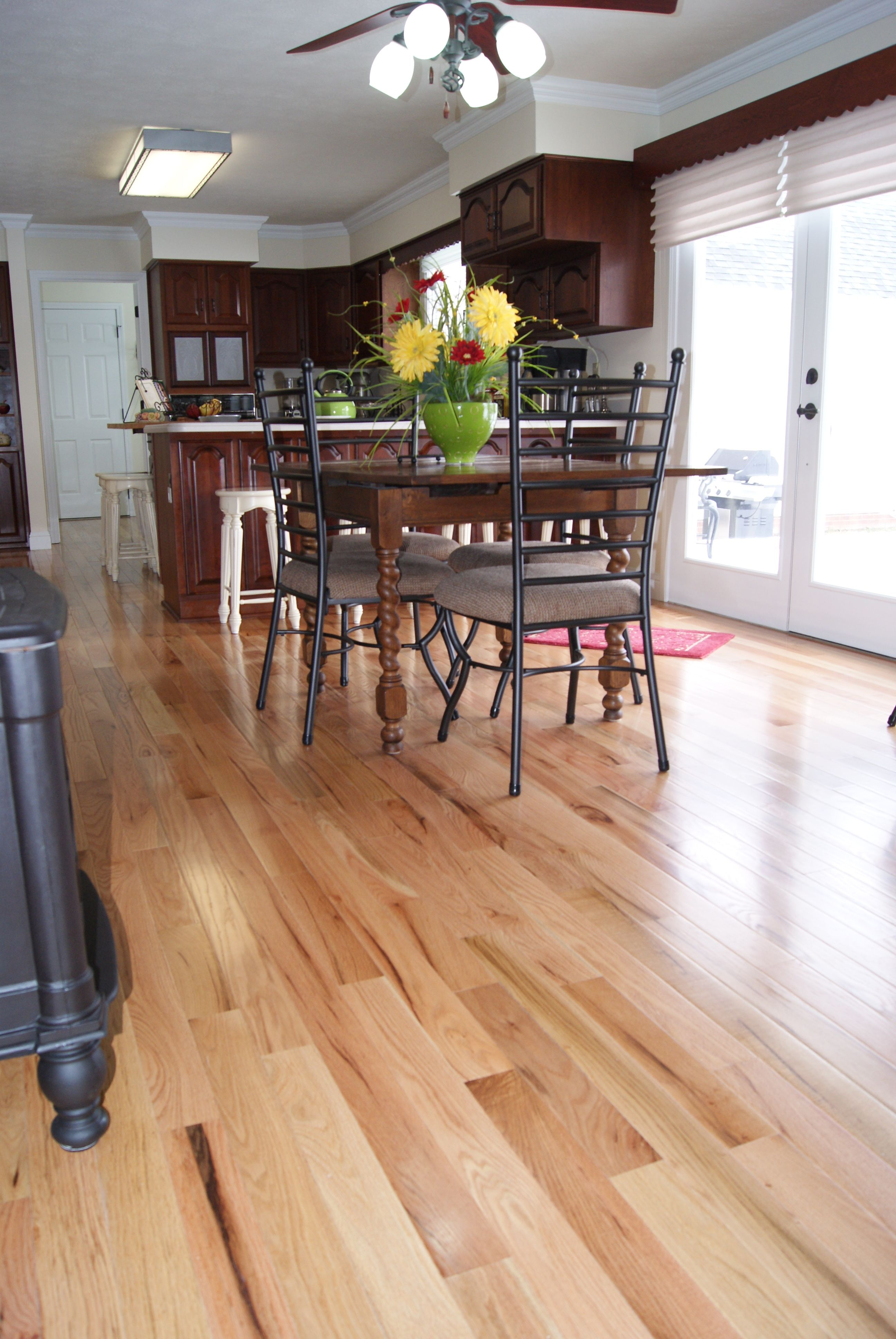 Bruce waltham collection oak country natural hardwood for Country home collections flooring