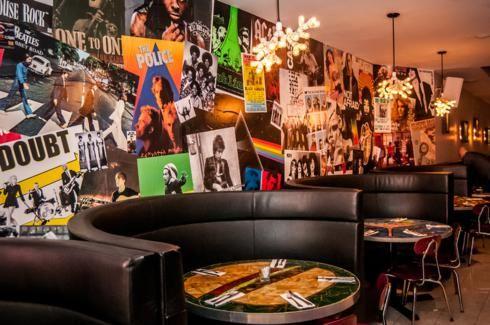 Vnyl New York Restaurant Hell S Kitchen