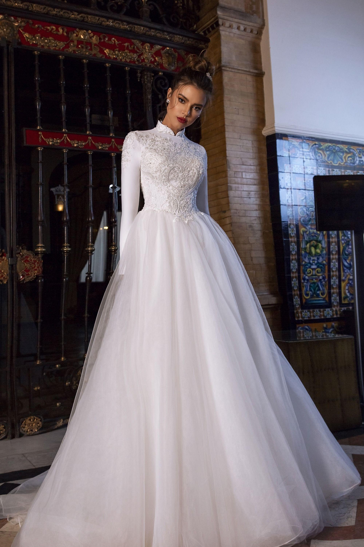 Maks Mariano Hailee In 2020 Wedding Dress Long Sleeve Wedding Dresses High Neck Wedding Dress